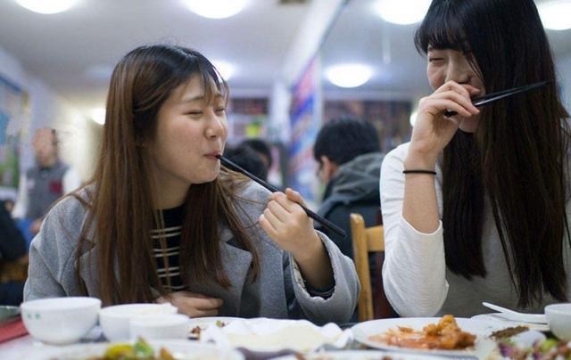 韩国人疯狂涌入青岛?还不需要隔离?带你看疫情下青岛真实的情况