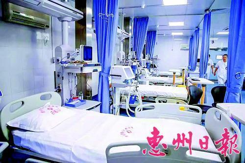 实拍医院重症监护室,一墙之隔却是生死之别