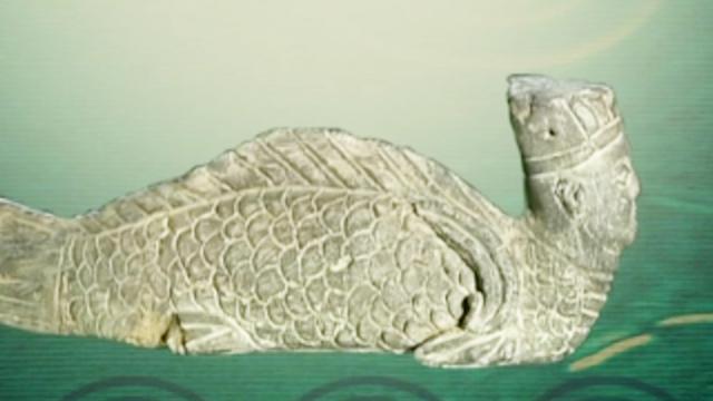 """古墓中挖出""""美人鱼""""陶俑,考古专家:难道山海经记载的是真的?"""