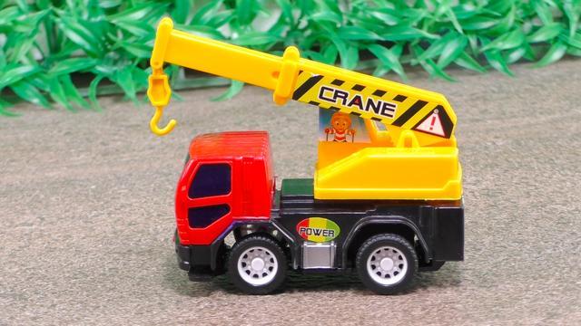 趣味益智 儿童工程车奇趣修建盘山路