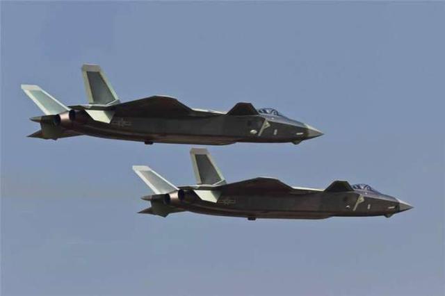 难怪中国才买24架苏35, 因为另一款战斗机已经开始大量服役了!