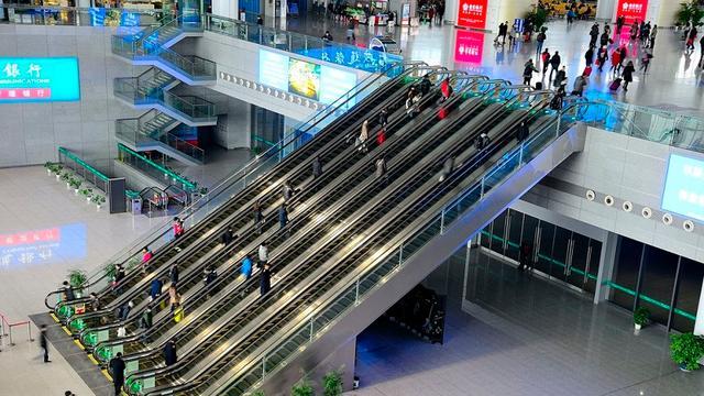 亚洲最大的火车站!总投资超过300亿,光候车大厅就有28个