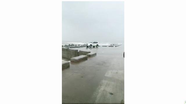 广东深圳台风降雨
