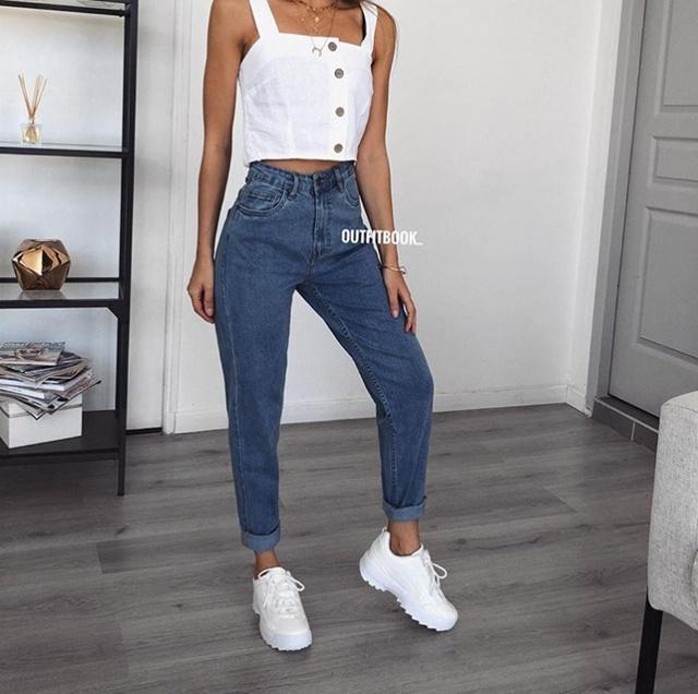 白鞋配什么裤子