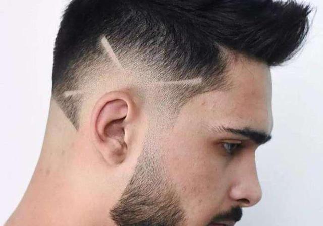 男生普通Z字刻痕发型 个性十足打造帅气潮男 - 发型站