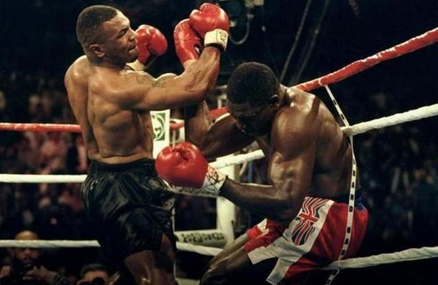 我在【二先生拳击视频】麦克·泰森 vs 米奇·格林  铁人的第...