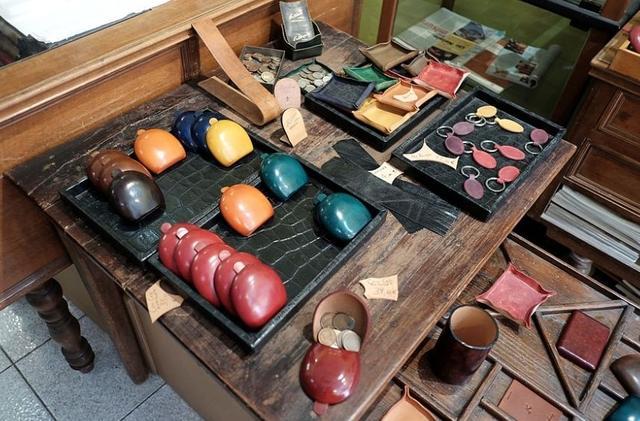 手工皮具的前景如何?是做低端还是走高端定制?
