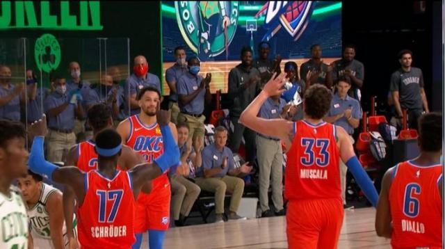保羅僅2分!雷霆大勝綠軍開門紅,悍將Roberson時隔909天復出首秀!(影)-籃球圈