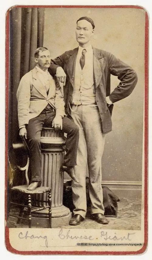 大清牛人,身高3.91米,超过姚明近1米,其中一个还是高富帅