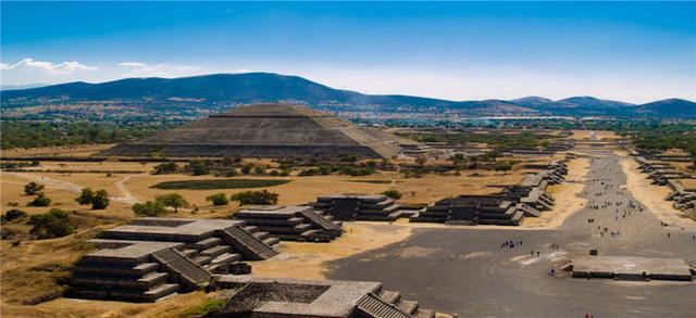 科学家们经过多方面的研究,神秘的太阳金字塔至今还是一个谜团