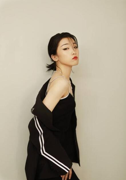 Yamy宣布解约!娱乐公司CEO自述:为什么中国艺人红了就要解约?