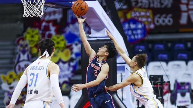 當年的NBA六號秀,如今的易建聯在CBA什麼水平?單節25分半場32分統治賽場!(影)-黑特籃球-NBA新聞影音圖片分享社區