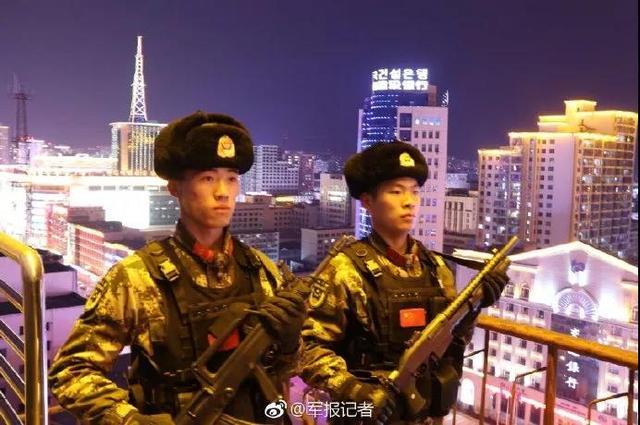收图!这些都是中国军人的好样子邝文珣微博  军人