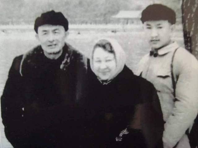 红四方面北京pk10 政委陈昌浩,晚年默默无闻,三个儿子后来怎么样?