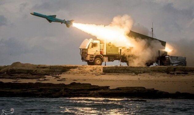 """伊朗举行大规模军演,演练攻击""""美国航母"""",美海军激烈表态,选情吃紧,特朗普如何回应?"""