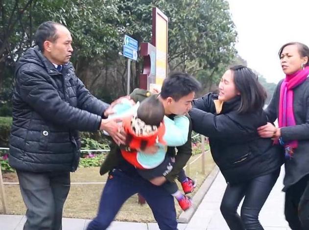 人贩子不会拐什么样的孩子?民警说出这规律,家长不妨对照下