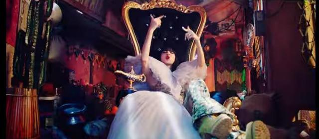 BLACKPINK单曲MV把象神放地上惹怒印度网友!YG娱乐把事情解决了
