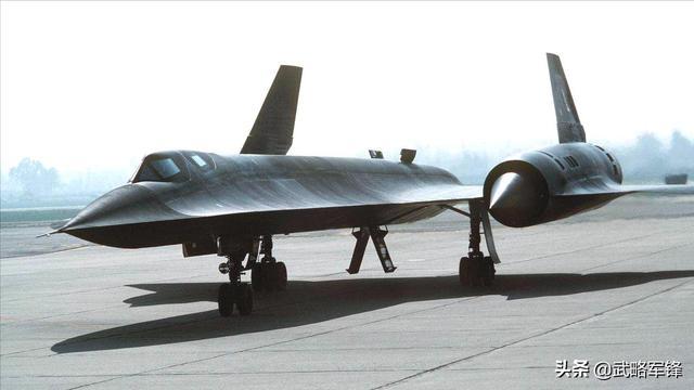 比黑鸟还快,时速4100千米战机全球仅存一架,发射导弹能击落自己