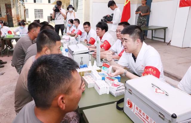 """闻""""汛""""而动丨南昌市第三医院防汛医疗队赴抗洪一线"""