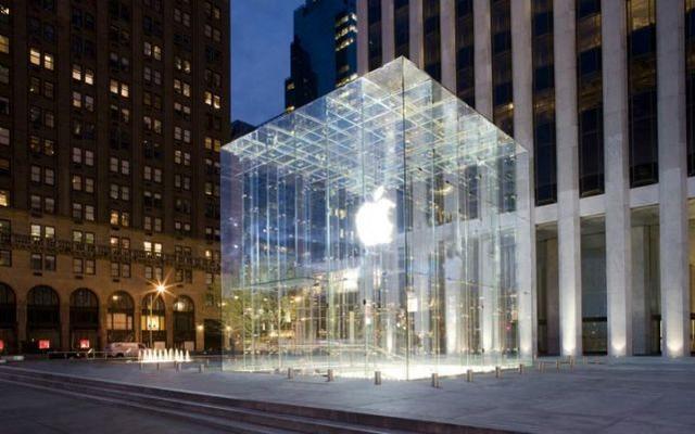 乔布斯又一重要遗产:将玻璃玩到出神入化,苹果万亿市值离不开它