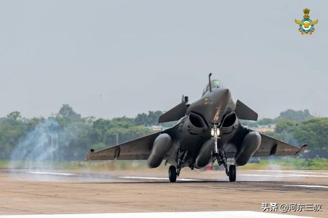 五架阵风刚到三哥就飘了,印度高官:歼-20无法与之媲美