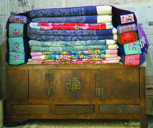 手工布艺作品蓝染刺绣枕头详细步骤教程╭★肉丁网