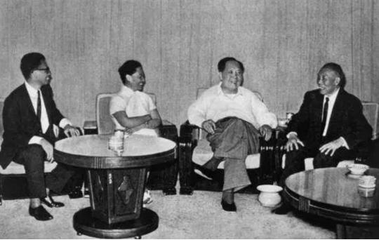 被蒋排挤异国流亡,为回国,李宗仁需要说清楚这些问题
