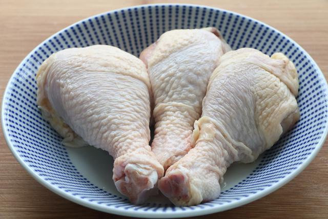 雞腿超解饞的做法,香軟可口,能當菜又能當飯,連吃3天都不膩
