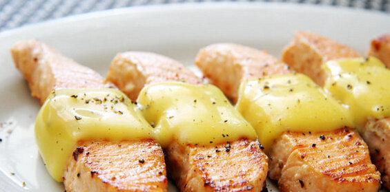 美食精选:芝士三文鱼、虾仁芝士焗意面、冰糖梨炖红枣的做法