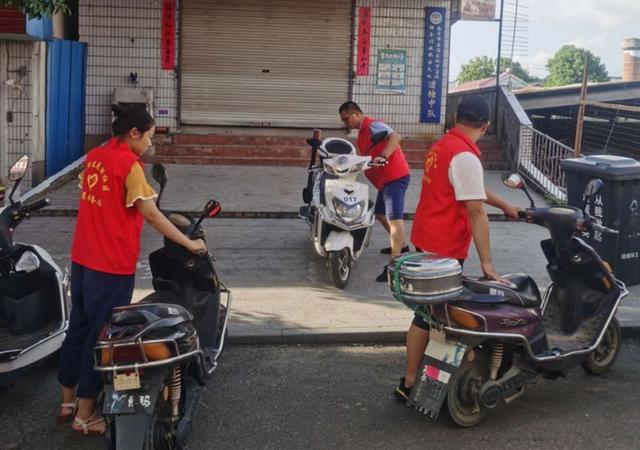 南京高淳固城街道:施划停车位,惠民暖人心