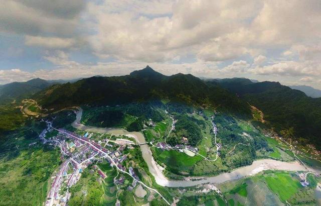 和平乡中纛村:宝纛河畔的翡翠之村丨易乡行美丽乡村旅游
