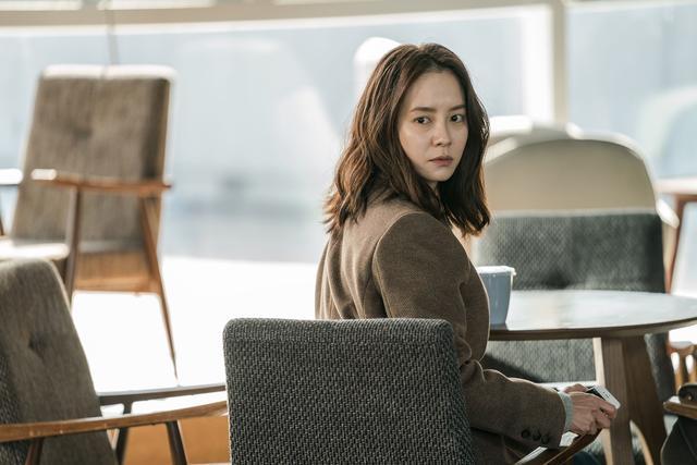 韩国电影又出悬疑神作!全程紧张刺激,上映首日即夺票房冠军