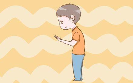 小孩弯腰驼背的图片