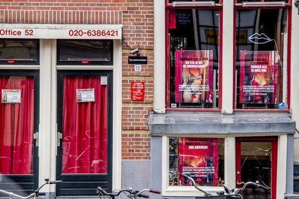 新冠疫情下荷兰红灯区复工,性工作者:见过更严重的病毒