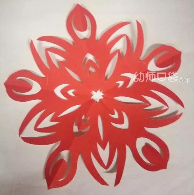 怎么简单剪纸春节窗花的方法图解