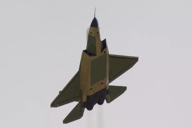 """中国海四代真能超越F-35吗?涡扇19决定一切,更可能是""""肥鹘"""""""