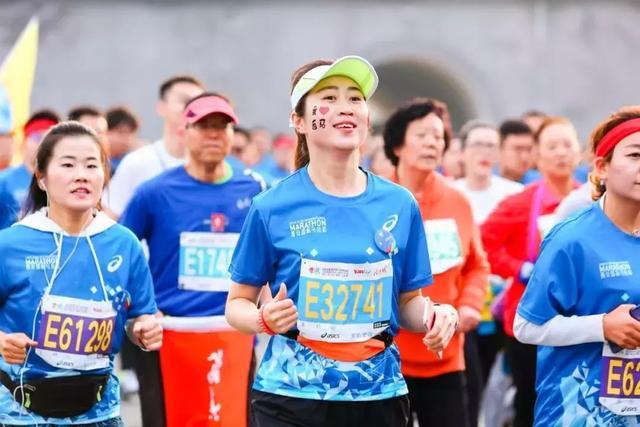 2017西安国际马拉松 20171028 1_体育_央视网(cctv.com)