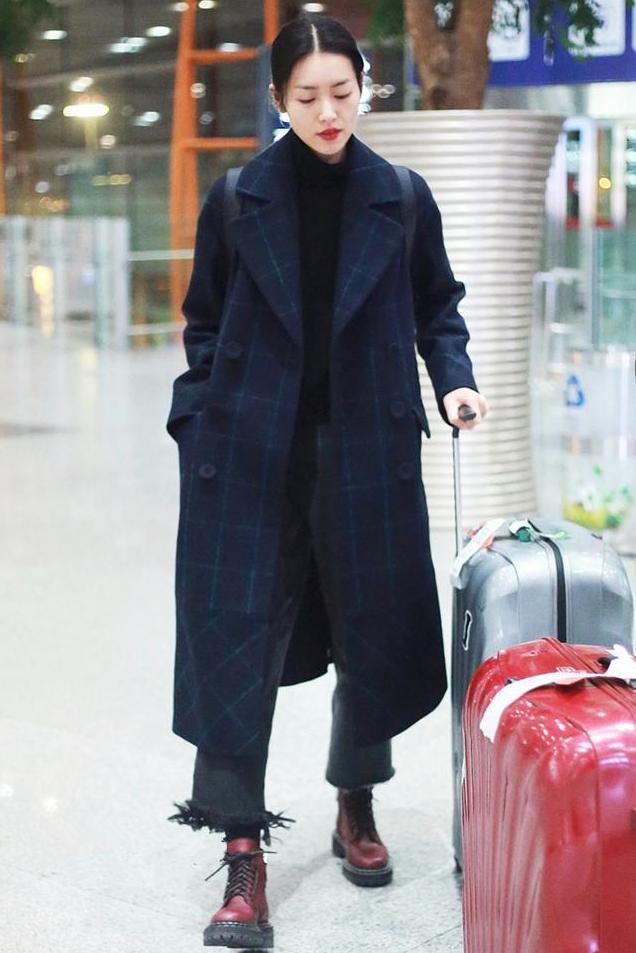 冬季应该怎么穿阔腿裤?搭配这4款外套,好看又保暖