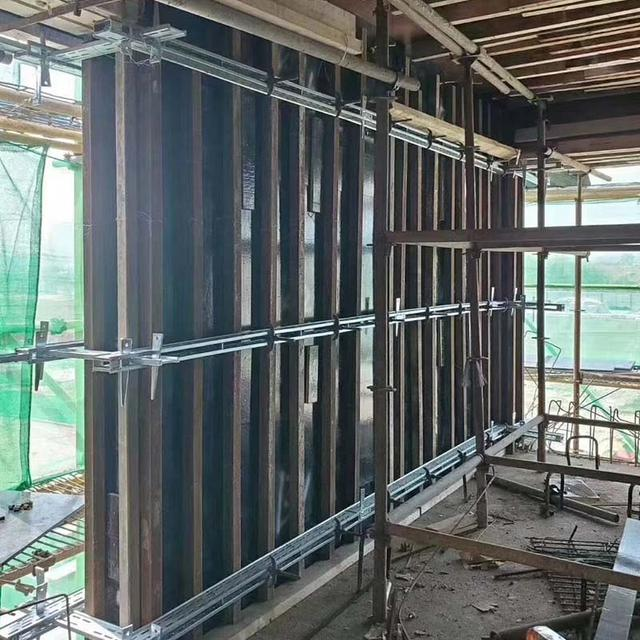 新型剪力墙钢支撑加固体系