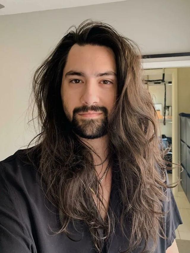 男生留长发的发型古风