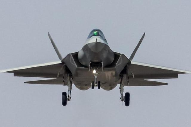 巴铁军事论坛热议:能否向中国买五代机FC-31?网友:买了养不起