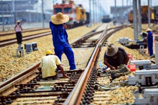 """中国与泰国加强合作,签下2200亿大订单,美国却又来""""捣乱"""""""