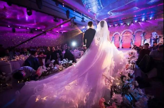 超浪漫大型现场精彩视频,这就是女孩梦寐以求的婚礼