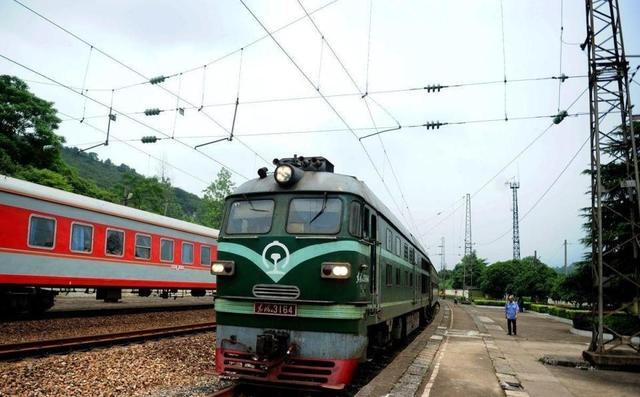 绿皮火车图片唯美怀旧