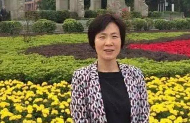 """中国的""""居里夫人"""",手握15项专利获得美国关注,直言:要回中国"""