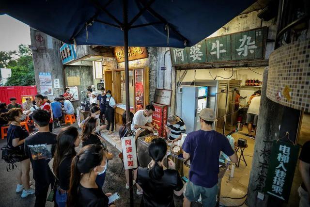 """5000平""""小吃集合店"""",排队3000桌,""""景点式""""餐饮成新风口"""