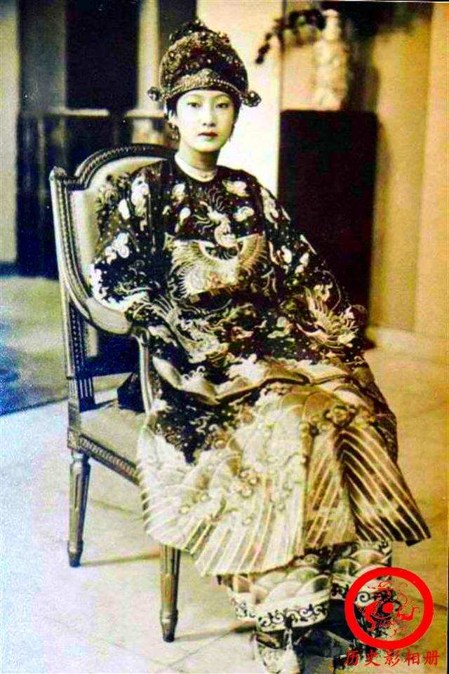 越南末代皇后南芳老照片:长相倾国倾城,却晚年坎坷,死地凄凉