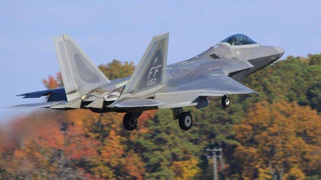 是升级继续服役还是退役,中国的两百多架原厂苏27/30前路在哪