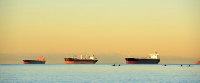 搬起石头砸自己的脚!美国为不要委内瑞拉石油,宁可从俄罗斯进口
