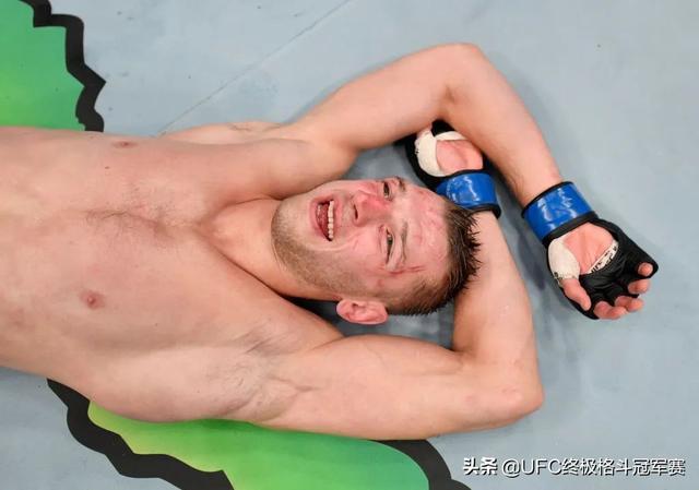 专题 | 霍克自信将KO终结普瓦里尔:他的下巴没有那么硬